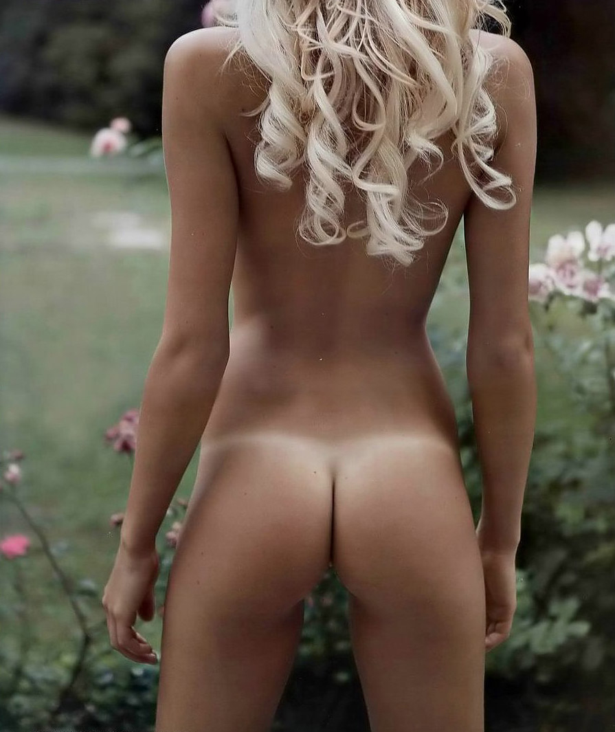 female nude tan butts
